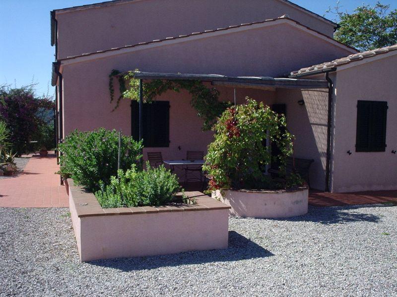 Vista esterna della casa vacanze Affitto Appartamento 71341 Porto Azzurro