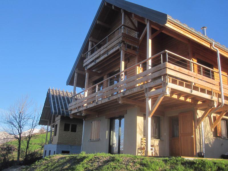Vista esterna della casa vacanze Affitto Agriturismo 81230 Orcières Merlette