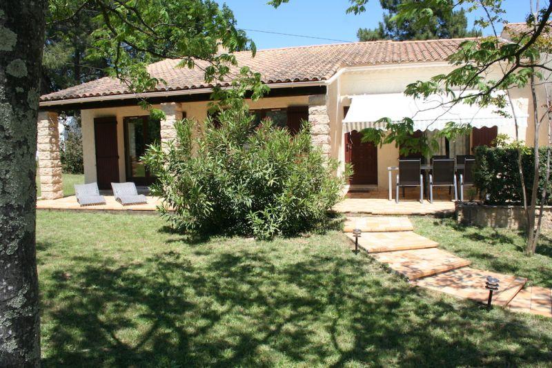 Vista esterna della casa vacanze Affitto Villa  100704 Saint-Julien-de-Peyrolas