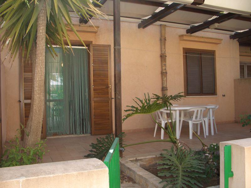 Vista esterna della casa vacanze Affitto Appartamento 109637 San Vito lo Capo