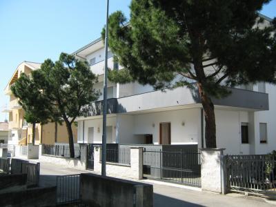 Vista esterna della casa vacanze Affitto Appartamento 64221 Alba Adriatica