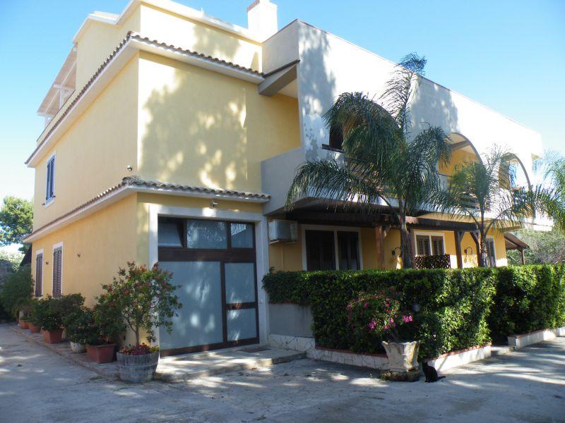 Vista esterna della casa vacanze Affitto Villa  69066 Avola