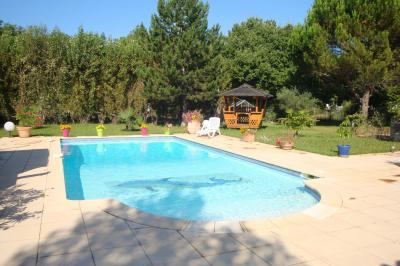 Vista esterna della casa vacanze Affitto Villa  92025 Saint Maximin la Sainte Baume