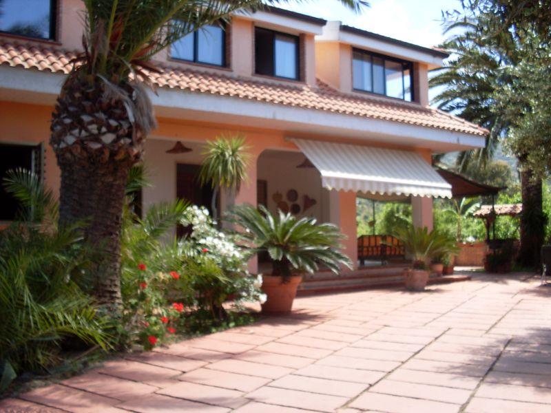 Vista esterna della casa vacanze Affitto Appartamento 98854 Capo Vaticano