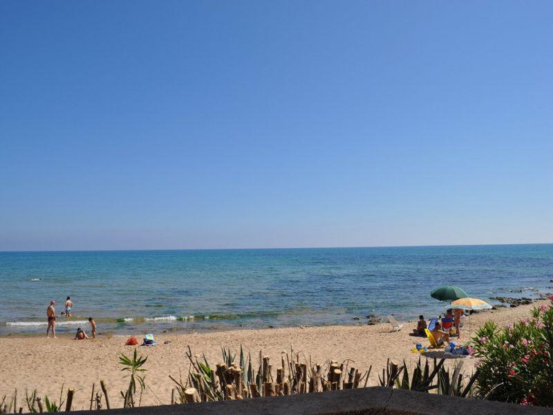 Vista nelle vicinanze Affitto Appartamento 100412 Marina di Ragusa