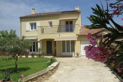 Vista esterna della casa vacanze Affitto B&B 84910 Arles
