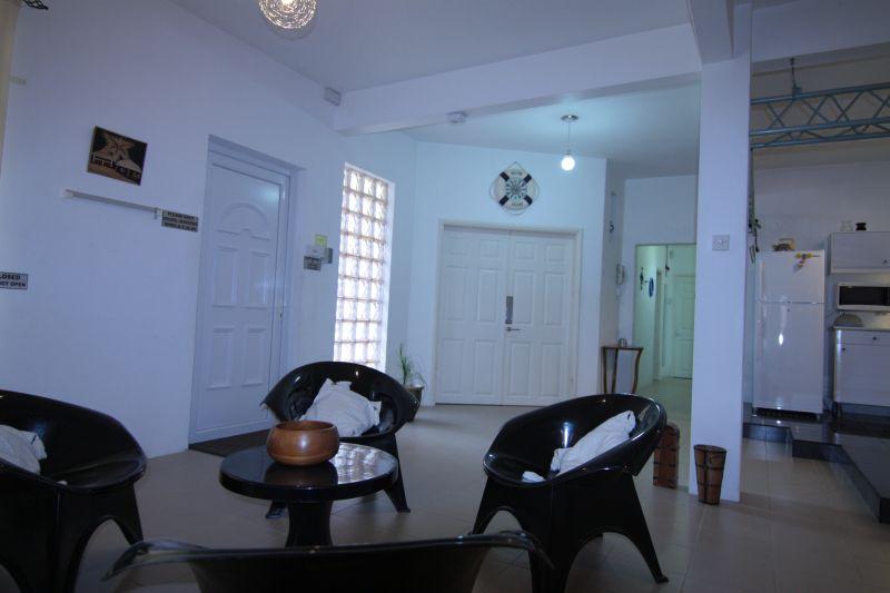 Soggiorno Affitto Villa  95201 Péreybère