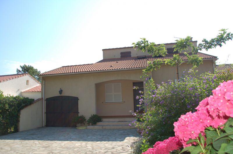 Vista esterna della casa vacanze Affitto Villa  100799 Lucciana