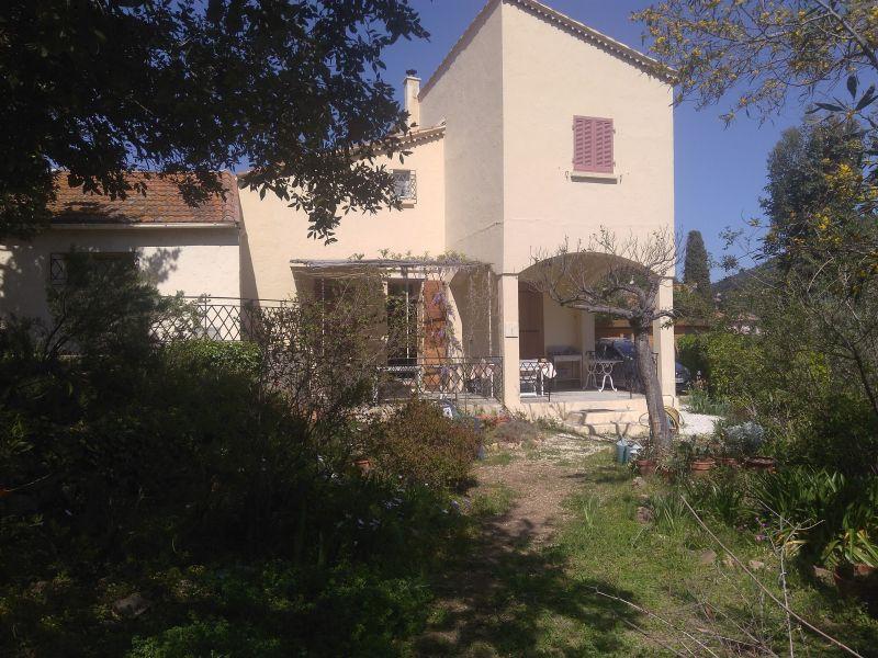 Vista esterna della casa vacanze Affitto Villa  115101 Le Pradet