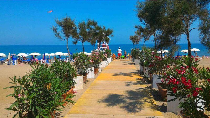 Spiaggia Affitto Villa  115897 Campofelice di Roccella