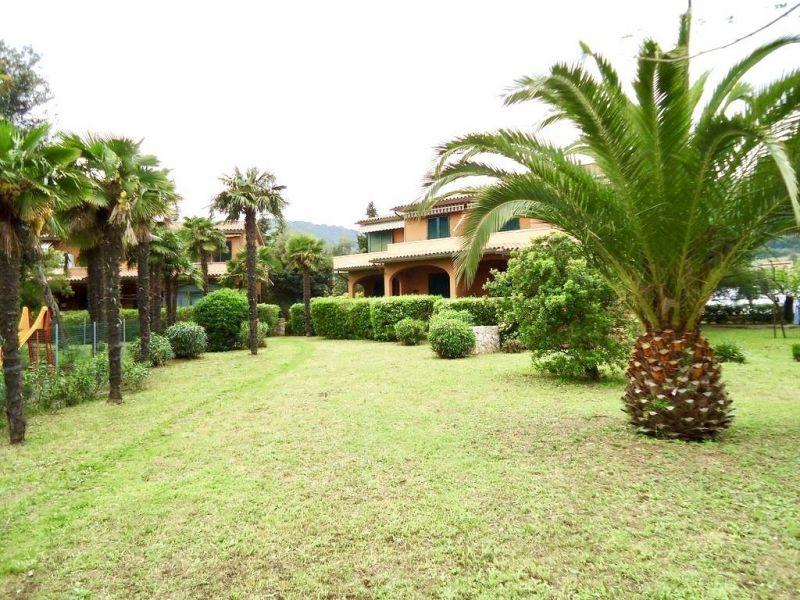 Vista esterna della casa vacanze Affitto Appartamento 94889 Porto Azzurro