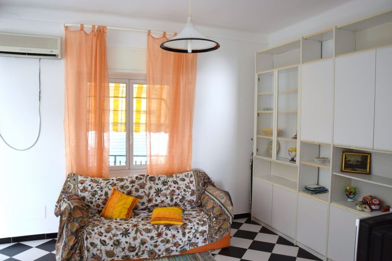 Soggiorno Affitto Appartamento 97021 Sanremo