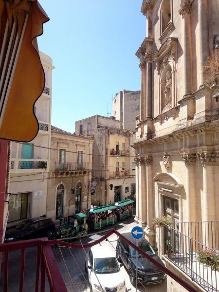 Vista dal balcone Affitto Appartamento 115140 Scicli