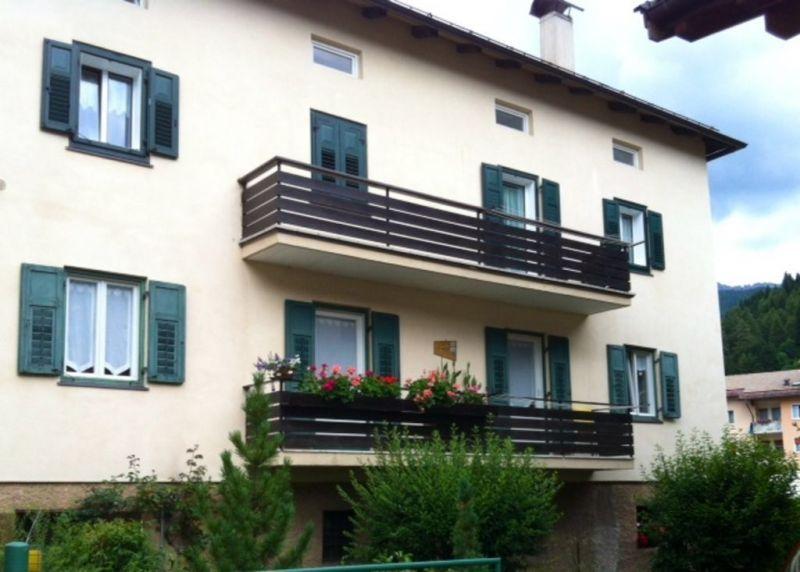 Vista esterna della casa vacanze Affitto Appartamento 116178 Predazzo