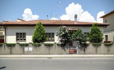 Vista esterna della casa vacanze Affitto Appartamento 71340 Castiglioncello