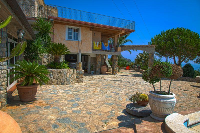 Vista esterna della casa vacanze Affitto Appartamento 77794 Marina di Camerota