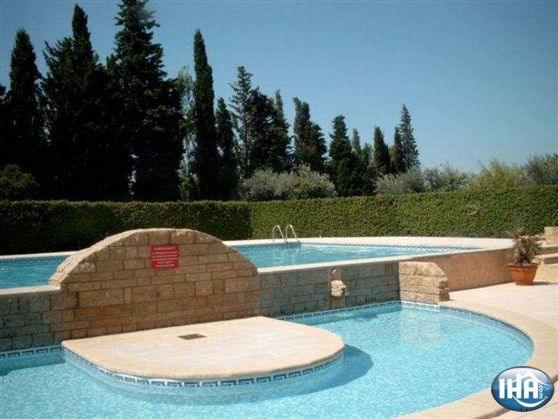 Piscina Affitto Villa  92658 Eyguières