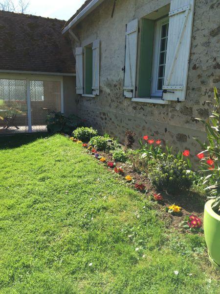 Vista esterna della casa vacanze Affitto Agriturismo 107157 Marne la Vallée