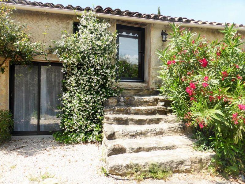 Vista esterna della casa vacanze Affitto Casa 110810 Vaison la Romaine