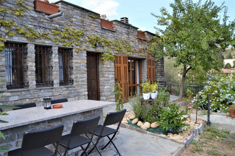 Vista esterna della casa vacanze Affitto Villa  112392 Imperia