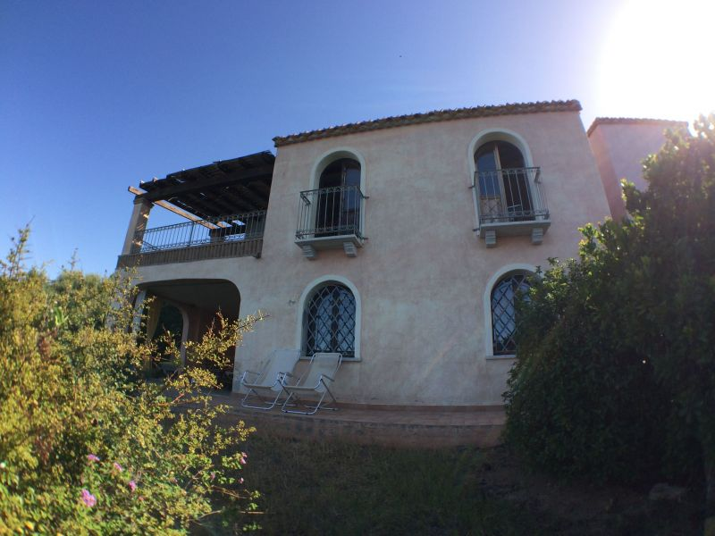 Vista esterna della casa vacanze Affitto Villa  114794 Villasimius