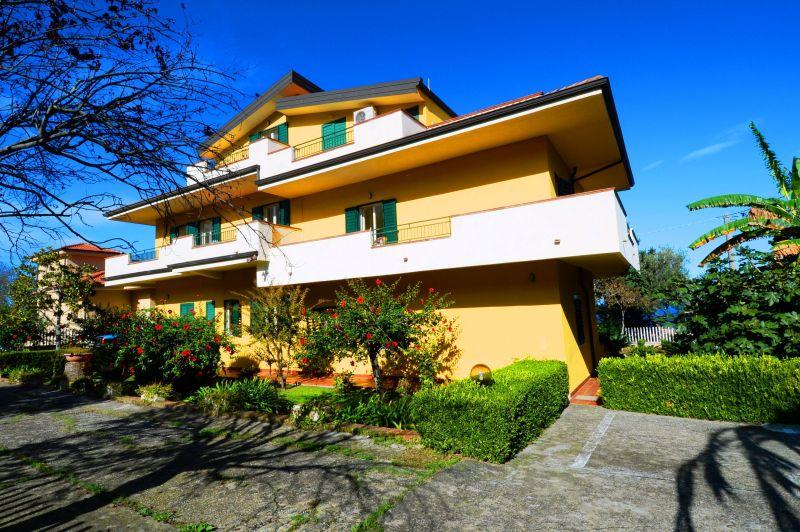 Vista esterna della casa vacanze Affitto Appartamento 113235 Tropea