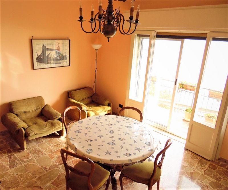 Salotto Affitto Appartamento 113911 Cervo