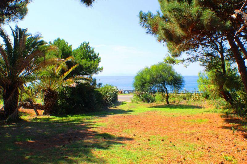 Giardino Affitto Villa  114104 Joppolo