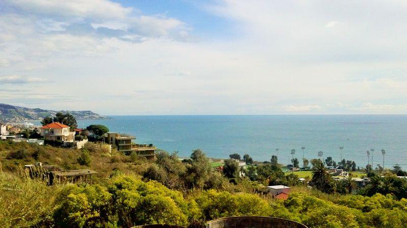 Vista dal terrazzo Affitto Appartamento 84648 Sanremo