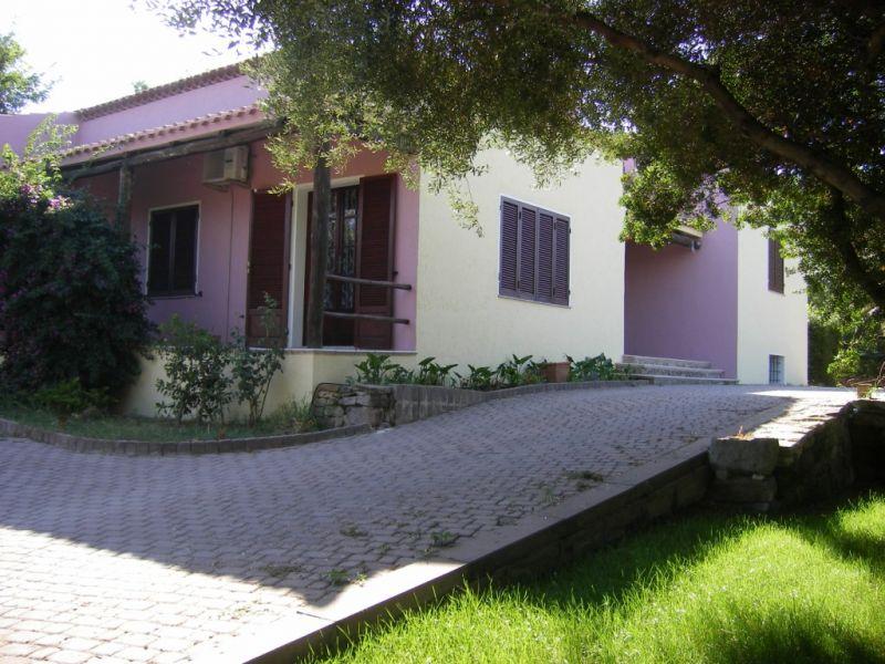 Vista esterna della casa vacanze Affitto Appartamento 96020 Castelsardo