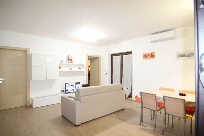 Soggiorno Affitto Appartamento 64765 Porto Torres