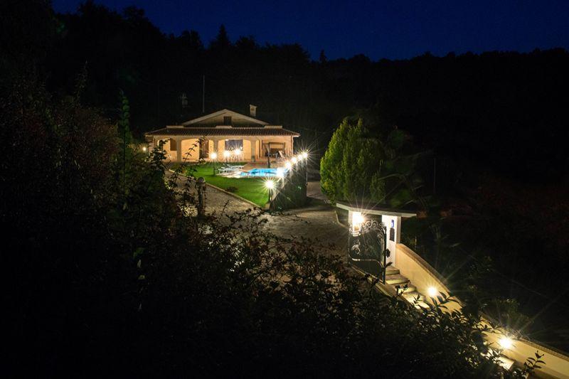 Vista esterna della casa vacanze Affitto Villa  70350 Fermo