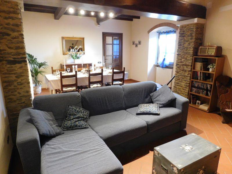 Salotto Affitto Casa 88858 Pietrasanta