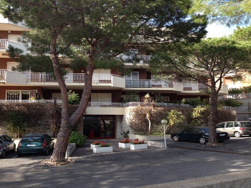Vista esterna della casa vacanze Affitto Appartamento 104498 Sanremo