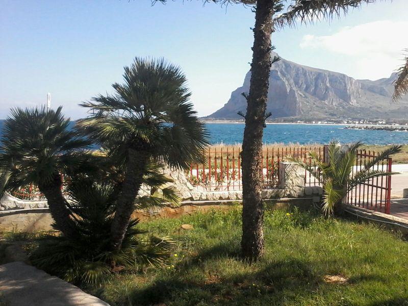 Vista dalla casa vacanze Affitto Villa  112450 San Vito lo Capo