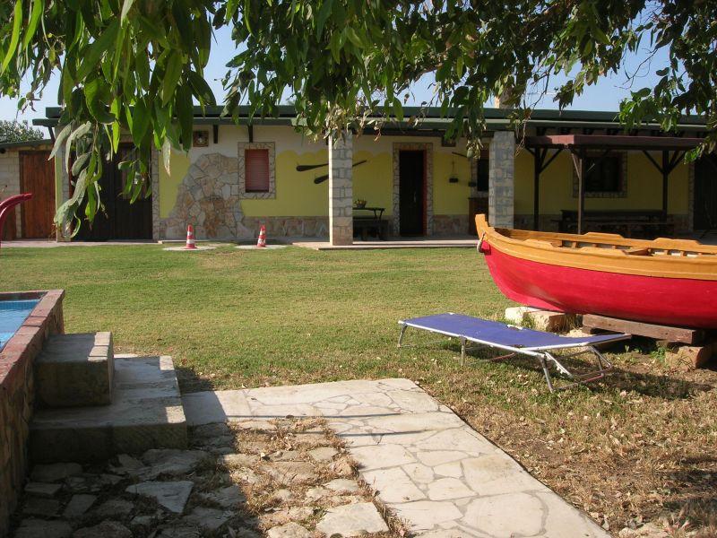 Giardino Affitto Villa  75799 Avola