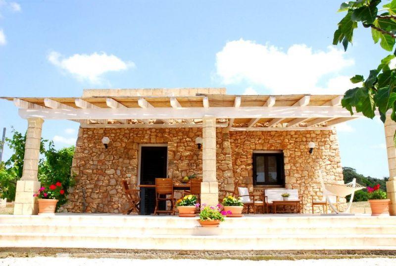 Vista esterna della casa vacanze Affitto Casa 105714 Pescoluse