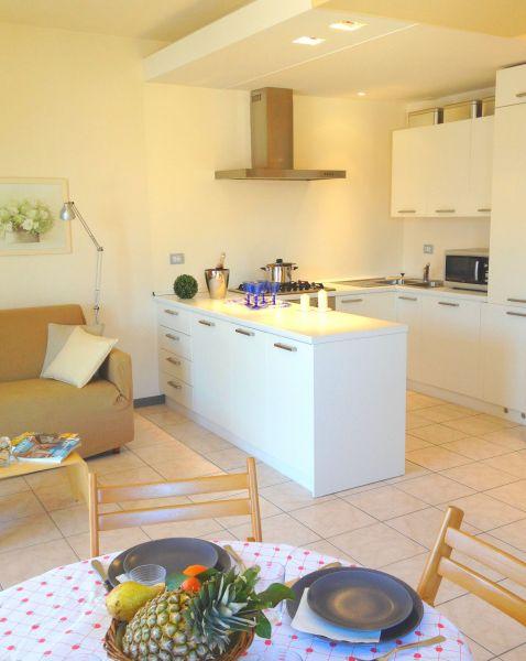 Soggiorno Affitto Appartamento 112811 Ossuccio