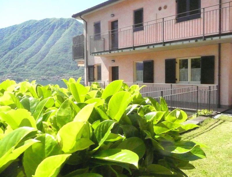 Vista esterna della casa vacanze Affitto Appartamento 112811 Ossuccio
