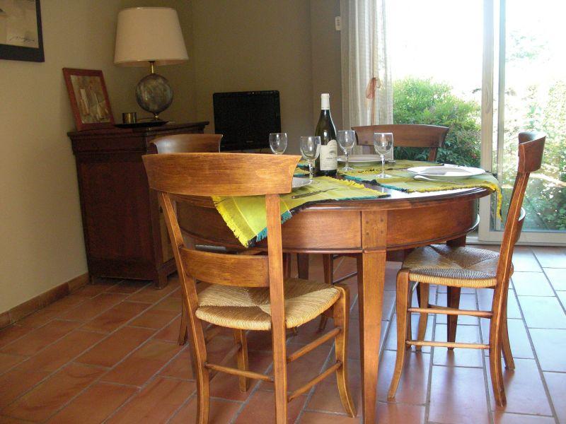 Sala da pranzo Affitto Villa  118110 Nîmes