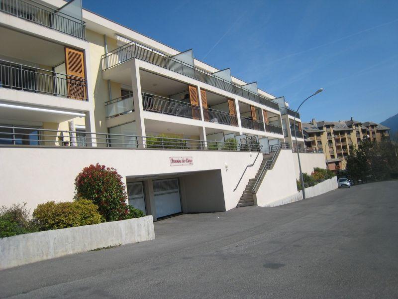 Vista esterna della casa vacanze Affitto Appartamento 118158 Embrun