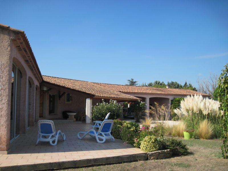 Vista esterna della casa vacanze Affitto Villa  118411 Isle sur la Sorgue
