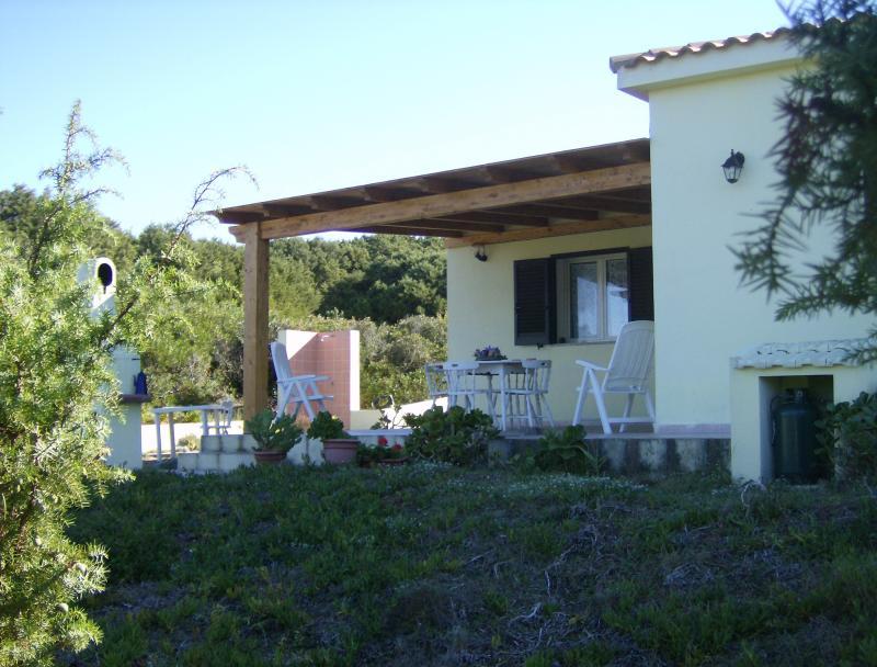 Vista esterna della casa vacanze Affitto Villa  73670 Badesi