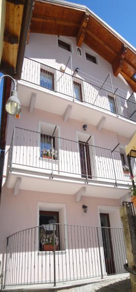 Vista esterna della casa vacanze Affitto Appartamento 73820 Aosta