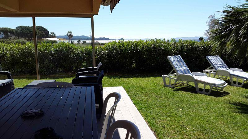 Vista dal terrazzo Affitto Appartamento 84705 La Londe les Maures