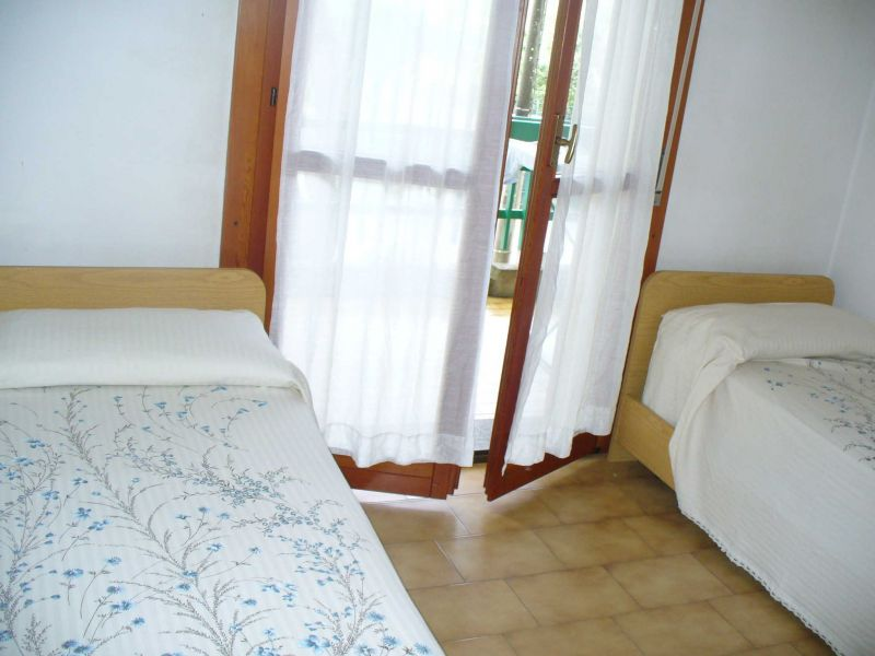Camera 2 Affitto Appartamento 86620 Marina di Massa