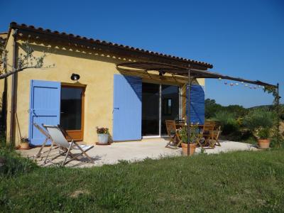 Vista esterna della casa vacanze Affitto Agriturismo 88587 Cotignac