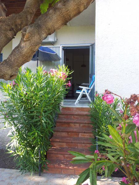 Giardino Affitto Appartamento 95950 Oliveri