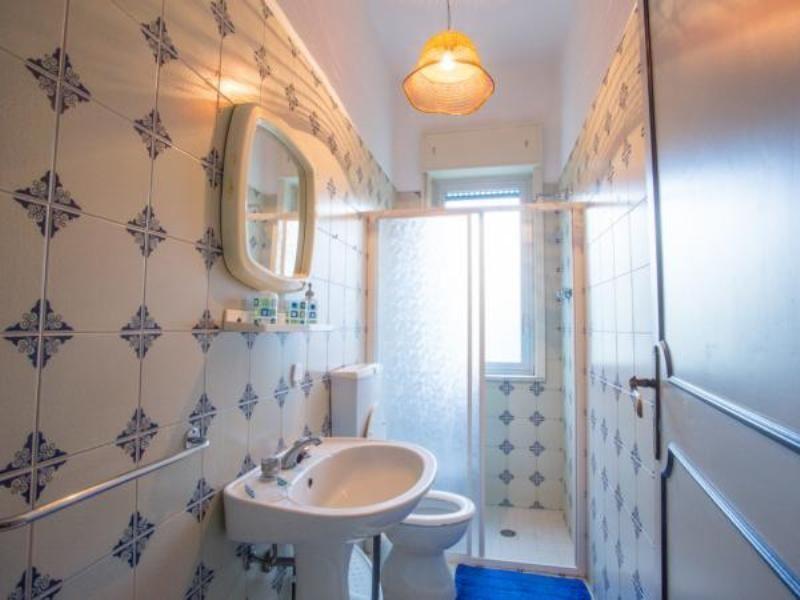 Bagno Affitto Appartamento 95950 Oliveri