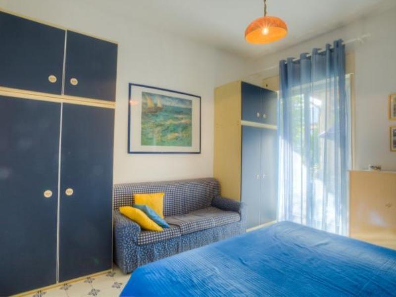 Camera 1 Affitto Appartamento 95950 Oliveri